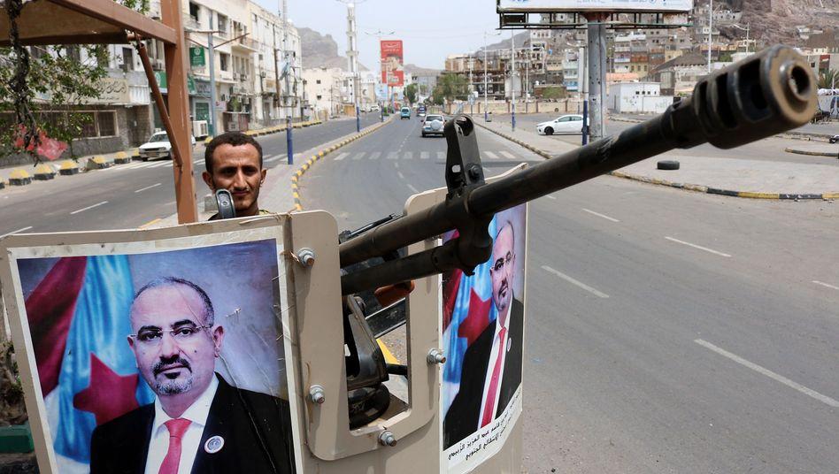 """Ein Kämpfer der Miliz """"Sicherheitsgürtel"""" in Aden: """"Konflikt zwischen verschiedenen Parteien"""""""
