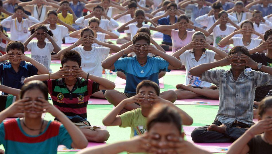 Menschen in Neu-Delhi: Vorbereitungen für den Welt-Yoga-Tag