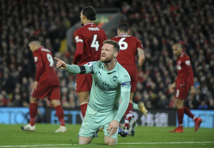 Im Dezember 2018 verlor Shkodran Mustafi mit Arsenal beim FC Liverpool 1:5. Danach entlud sich die Kritik am Verteidiger.