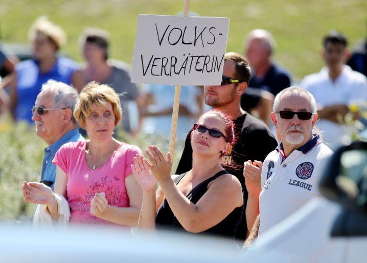 Anti-Merkel-Protestierende in Heidenau