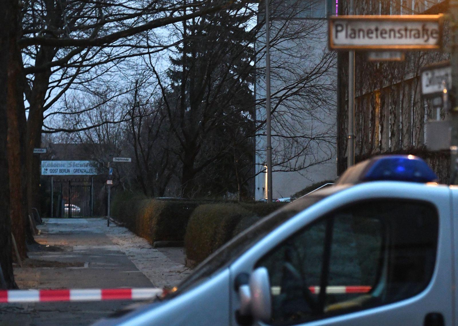 63-Jähriger hält Frau in Wohnung fest