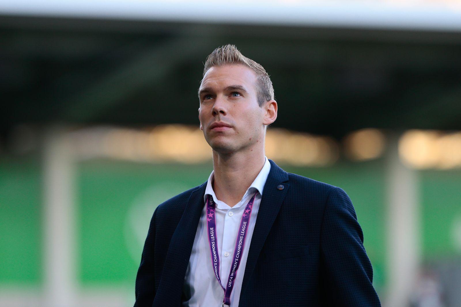 16.10.2019, xtgx, Fussball, UEFA Women s Champions League, VfL Wolfsburg - FC Twente Enschede emspor, v.l. Tommy Stroot