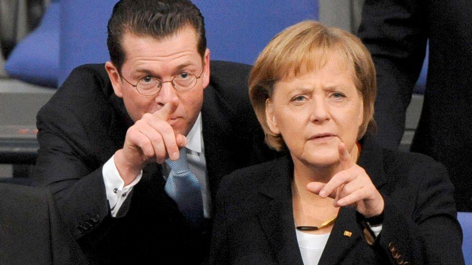 Guttenberg, Merkel: Der Untersuchungsausschuss verlangt Antworten von ihnen
