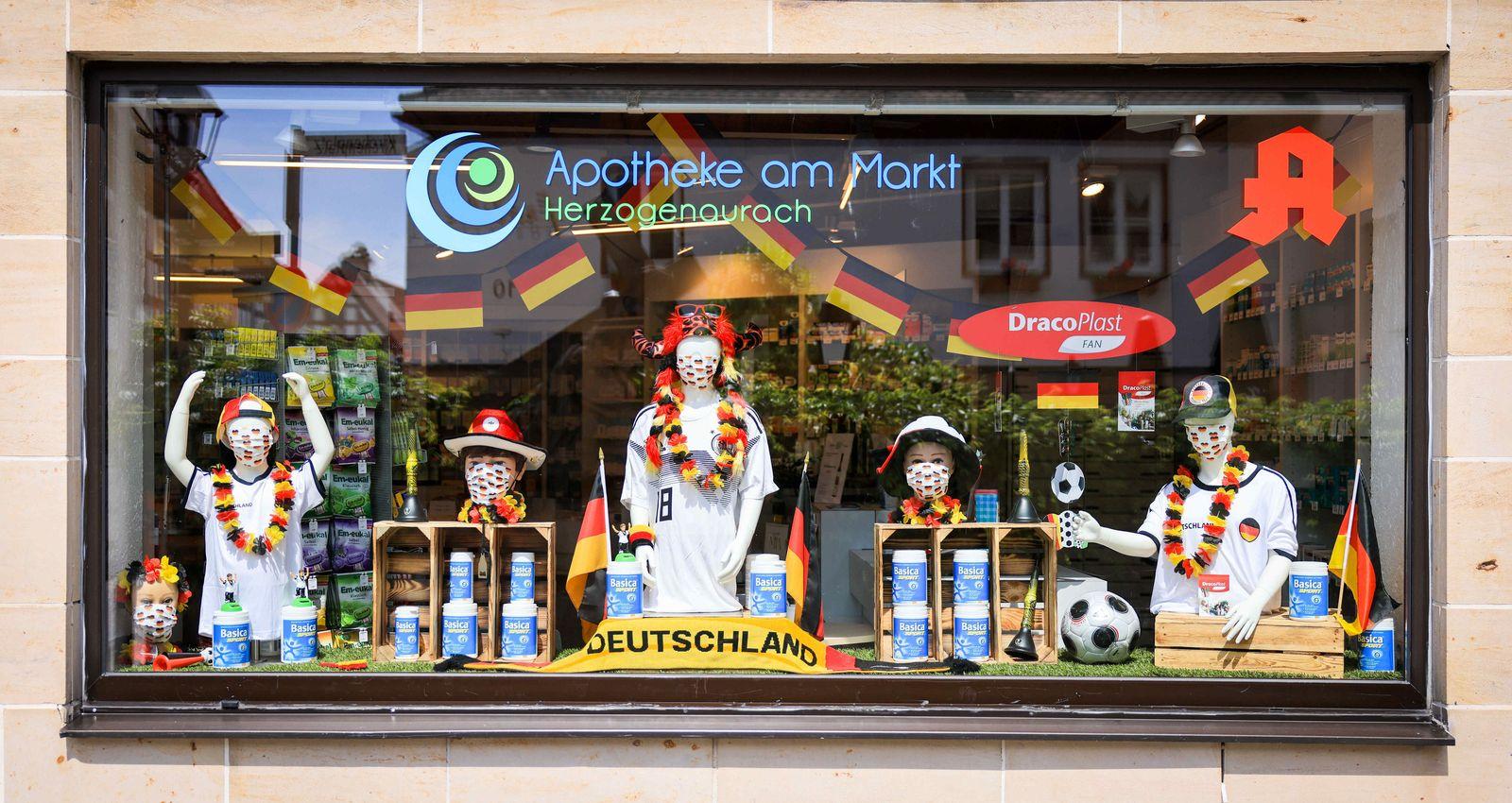 Fußball EM - Quartier deutsche Mannschaft