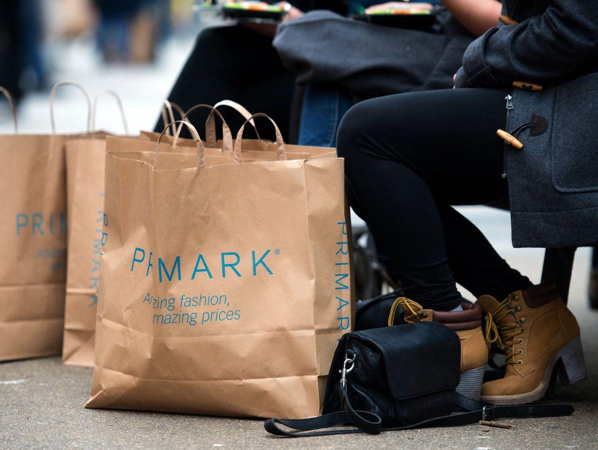 stuttgart: primark-kunden sollen kleider gleich wieder