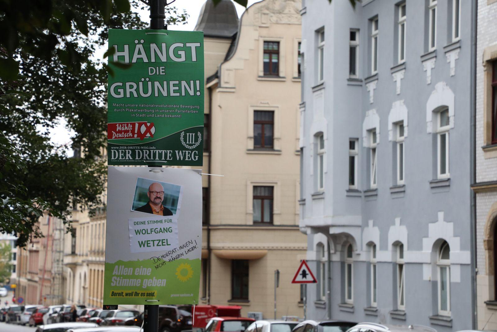 """Plakataktion der Grünen im Streit um """"Hängt die Grünen""""-Plakat"""