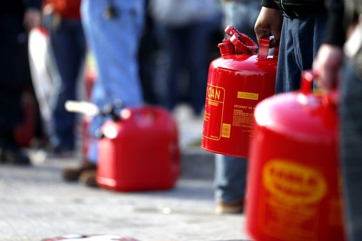 Benzin-Hamsterkäufe: Sprit für die letzten Tage der Menschheit