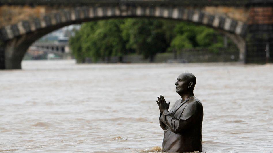 Prag im Juni: Teures Hochwasser, aber günstigeres Schadensjahr