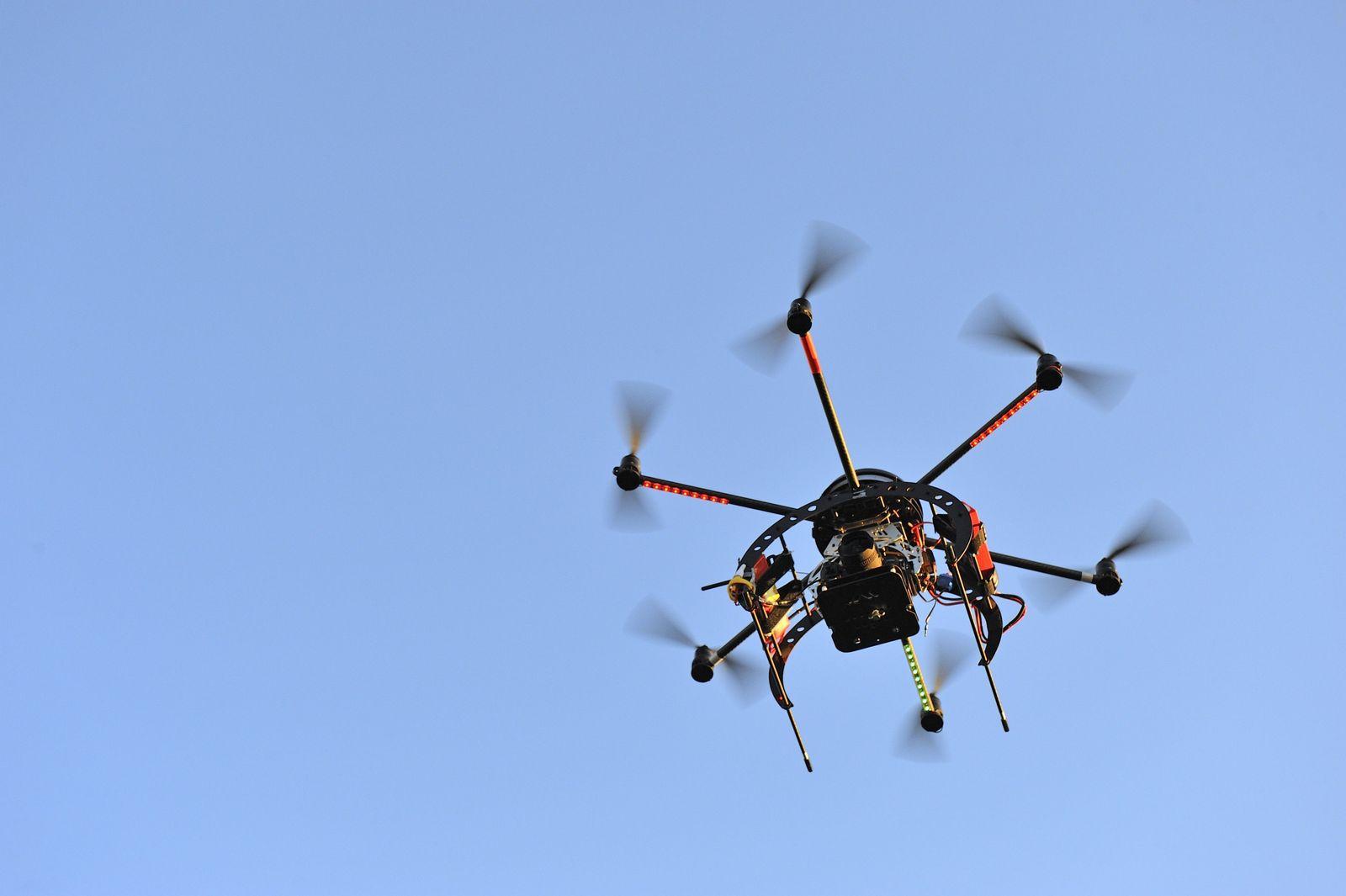 NICHT MEHR VERWENDEN! - Symbolbild Drohne / Fotodrohne / Ultraleichtdrohne