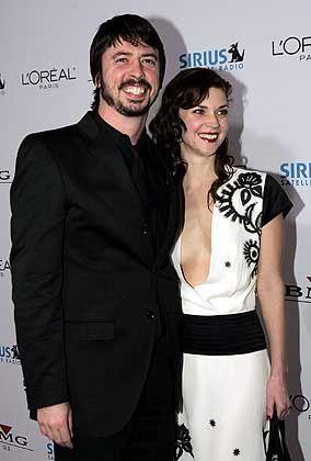 "Grohl mit Ehefrau Jordan: ""Prinzipientreue abhanden gekommen"""