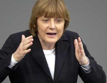 """Angela Merkel: """"Die Bedrohung durch Saddam Hussein und seine Massenvernichtungswaffen ist real"""""""