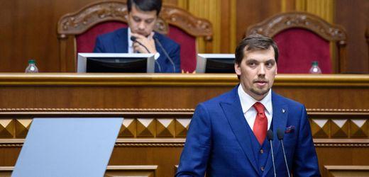 Ukraine: Präsident Selenskyj lehnt Rücktrittsgesuch von Regierungschef ab