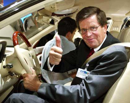Schluss mit Daumen hoch: Bernd Gottschalk schmeißt als Präsident des Verbandes der Automobilindustrie hin