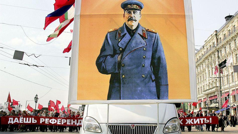 """Stalin-Porträt: """"Dass man uns nicht geholfen hat, war ein schwerer Fehler"""""""