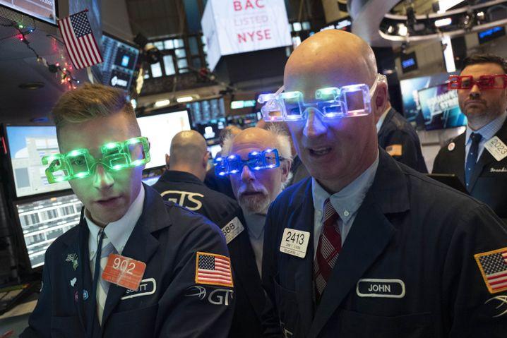Börsenhändler in New York: Feiern das neue Jahr, dealen weiter lustig die Billionen
