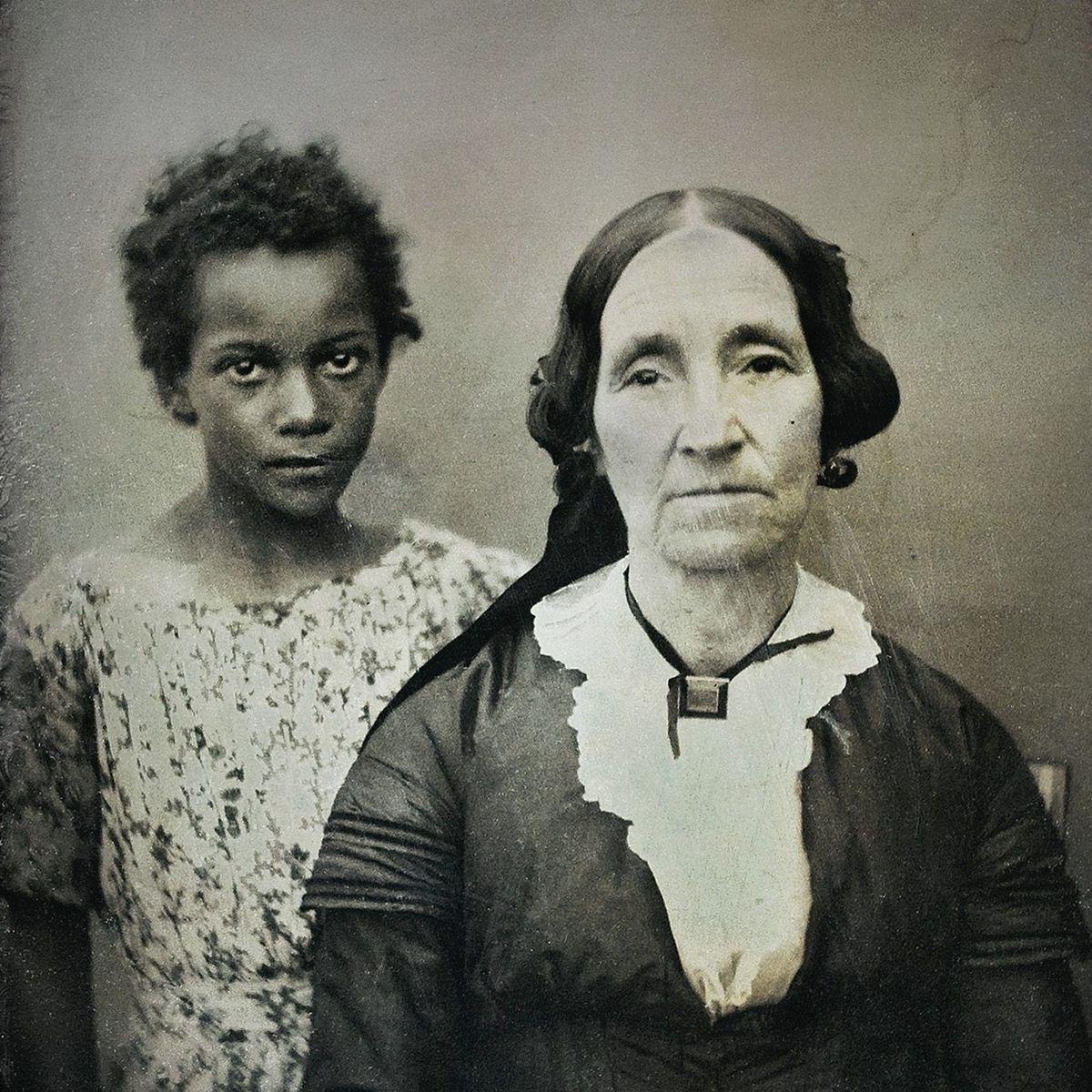 Schwarze Frauen Stehen Auf Weisse MäNner