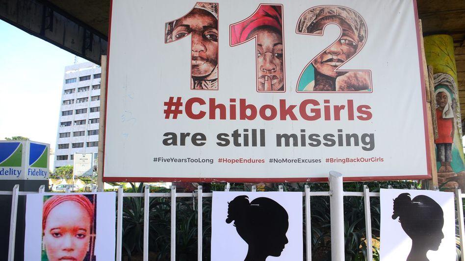 Plakataktion für die vermissten Mädchen von Chibok (Archivbild)