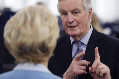 EU-Verhandler Barnier (im Gespräch mit Kommissionschefin von der Leyen): Ende 2020 droht erneut ein harter Brexit