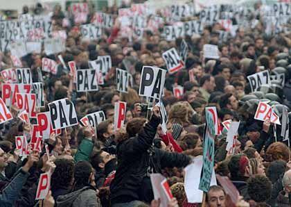 Demonstranten in Madrid: Aufklärung gefordert