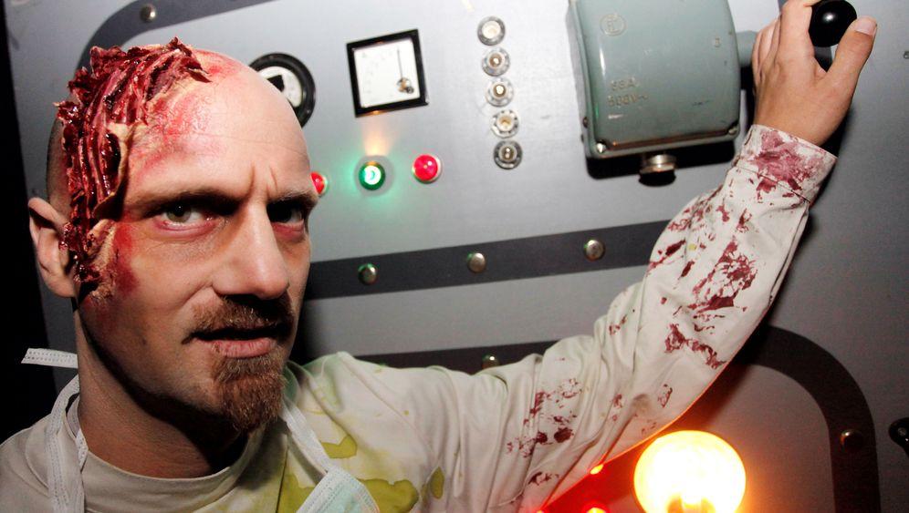 Schreck im Freizeitpark: Der Verein der Horrordarsteller