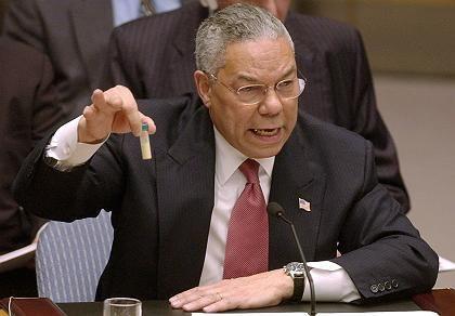 """Powell am 5. Februar 2003 vor dem Uno-Sicherheitsrat mit """"Beweis"""": Schandfleck seiner Karriere"""