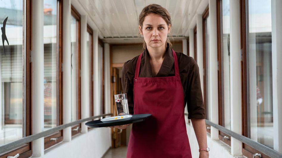 Luise Heyer als Sabine: Sensationeller Entfesselungsakt