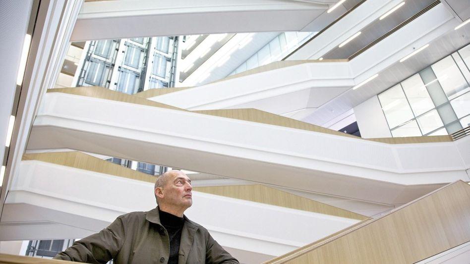 Architekt Kohlhaas im Hamburger SPIEGEL-Gebäude: »Warum flüstern Sie so?«