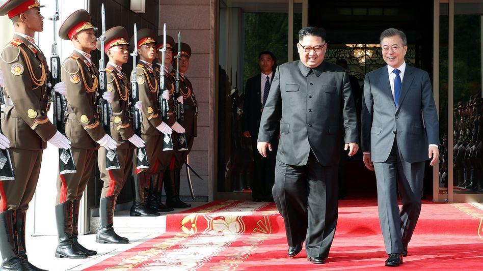Nordkoreas Kim Jong Un und Südkoreas Moon Jae In