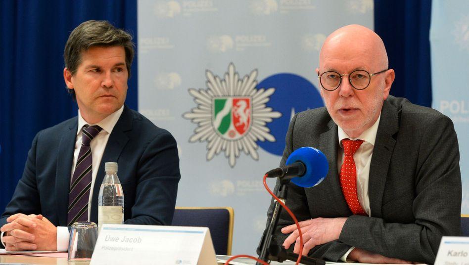 """Ulrich Bremer und Uwe Jacob: Eine """"Mammutaufgabe"""" für die Ermittler"""
