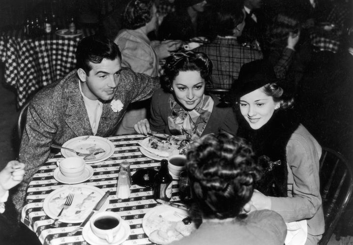 Olivia de Havilland mit Schwester Joan Fontaine Anfang der Vierziger