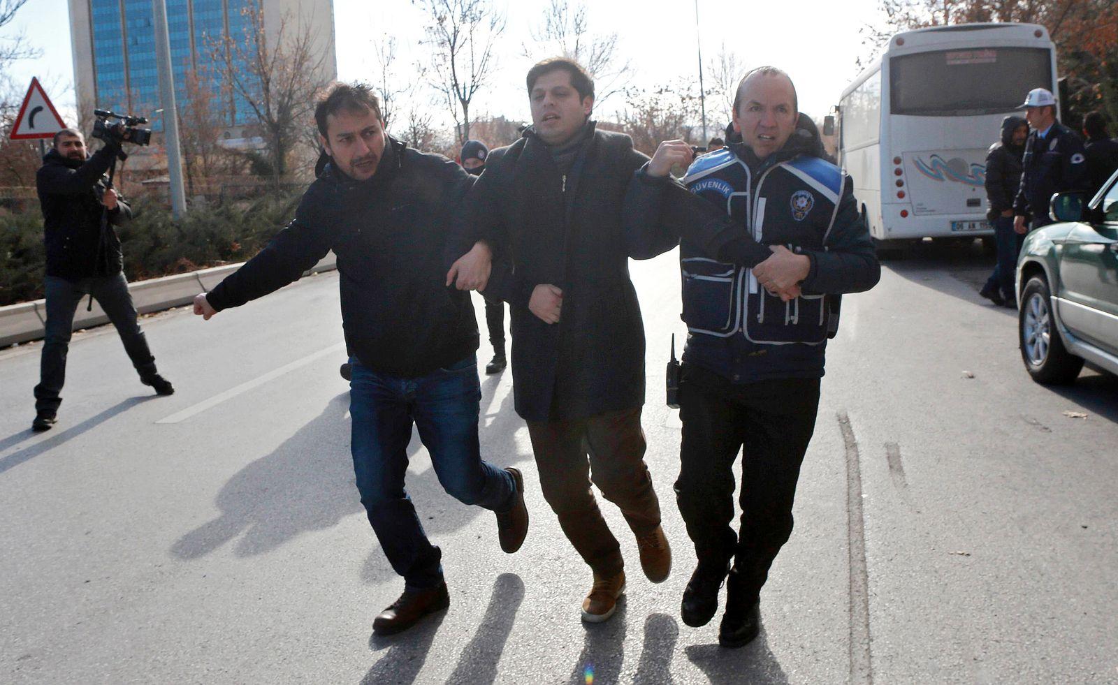 Türkei/ Verhaftung