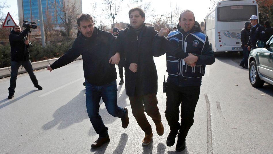 Festnahme vor dem Energieministerium in Ankara (Archivbild)