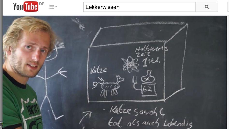 Physikerklärer Wessel-Therhorn: Der Student hat Eier und eine Kreidetafel und bringt damit Physik bei