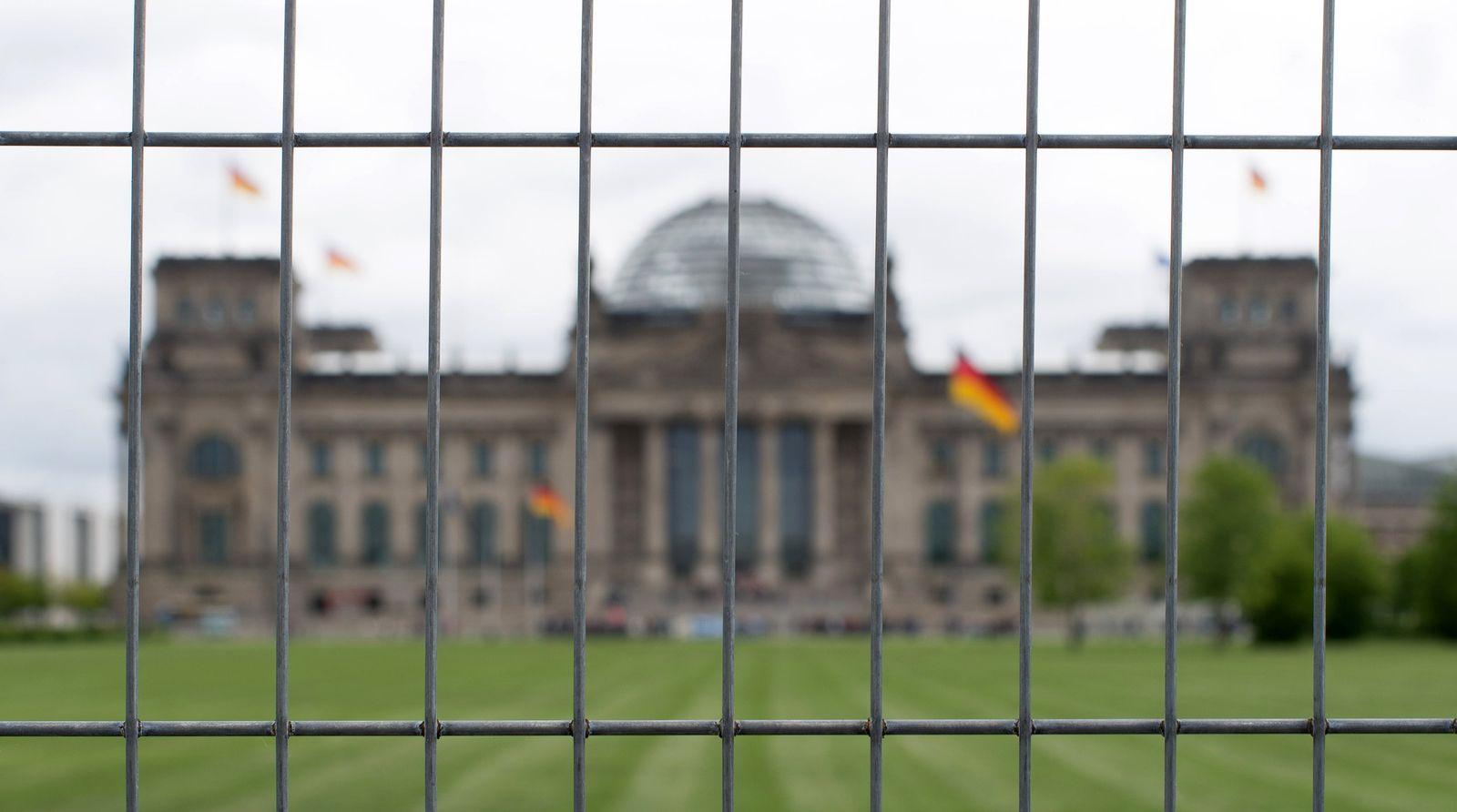 Gitter vor dem Reichstag