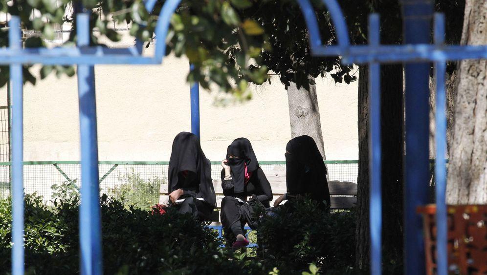 "Einblicke in den ""Islamischen Staat"": Alltag in Rakka"