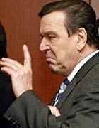 Bundeskanzler Schröder: Als würde es sich um einen Familienvater handeln, der im Suff seine Familie schikaniert hat