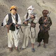"""Taliban in Afghanistan: Land in der """"Abwärtsspirale"""""""