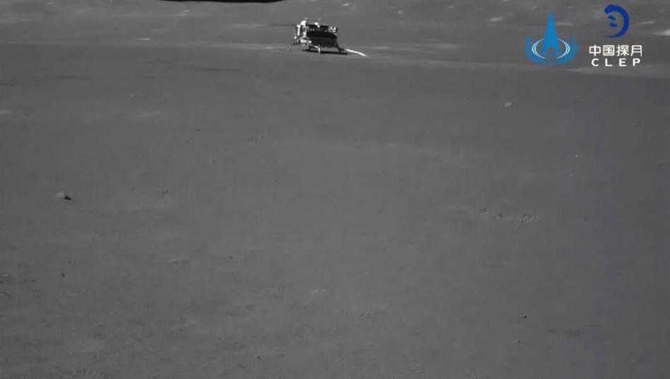 """Der chinesische Mondrover """"Yutu-2"""" erkundet erstmals die Rückseite des Mondes"""