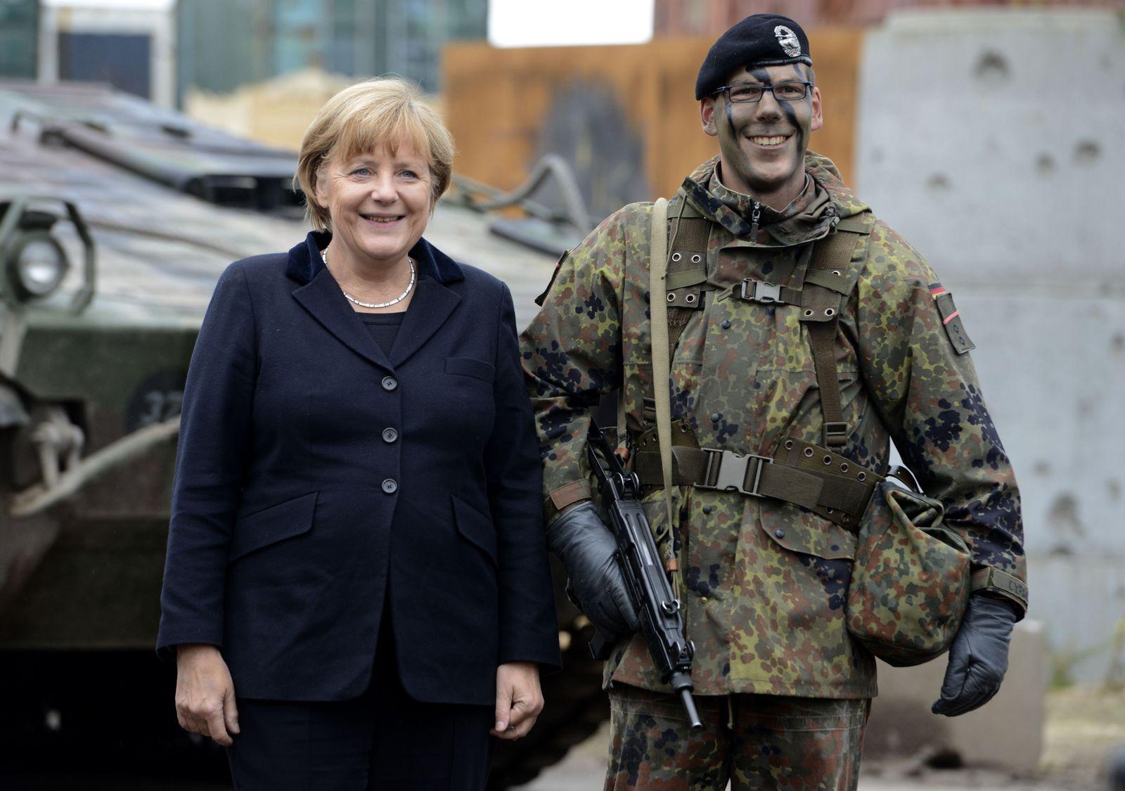 Merkel und Bundeswehr