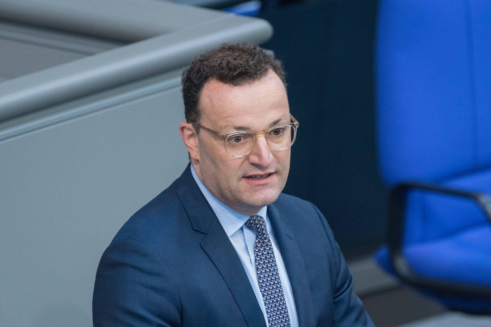 Berlin, Plenarsitzung im Bundestag Deutschland, Berlin - 03.07.2020: Im Bild ist Jens Spahn (Bundesminister für Gesundh