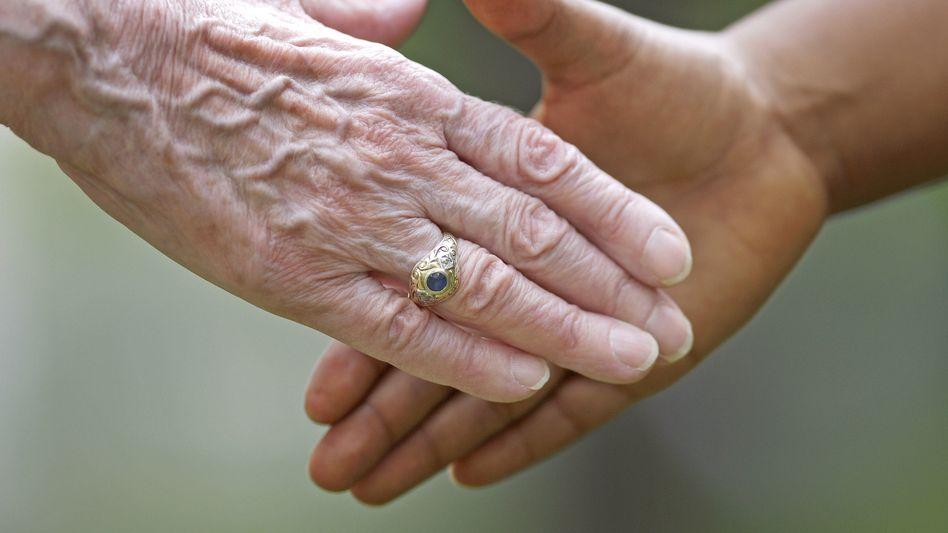 Handschlag: Ende des gesetzlich vorgeschriebenen Körperkontakts in Thüringen