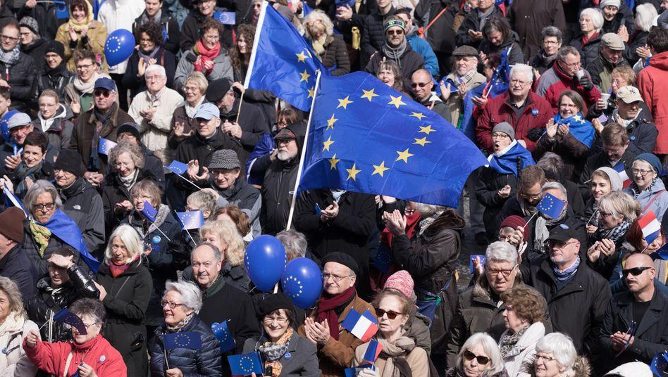 """Kundgebung der Proeuropäer von """"Pulse of Europe"""" in Berlin"""