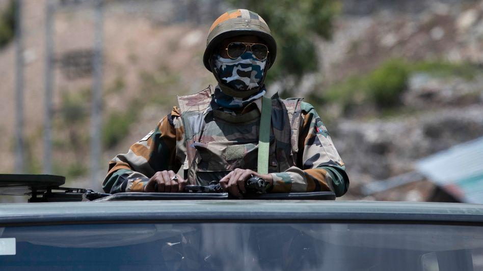 Ein indischer Soldat im Grenzgebiet: Prügeleien mit chinesischen Patrouillen