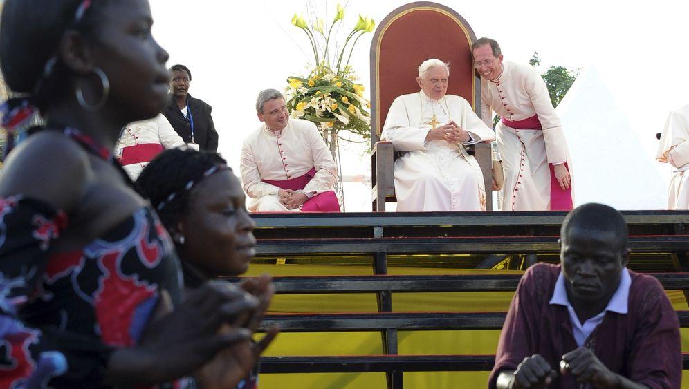 """Der Papst und Afrika: """"Blind gegenüber der Lebenswirklichkeit"""""""
