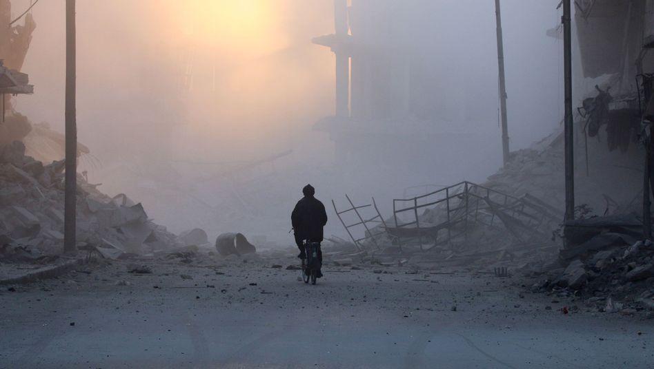 Fahrradfahrer in Ost-Aleppo