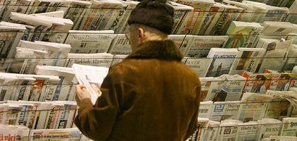 Zeitungsleser am Kiosk: Bedrohte Spezies?