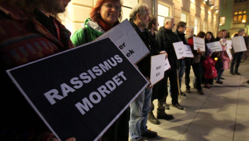 Mahnwache gegen Rechtsextremismus: Föderalismus machte die Panne erst möglich