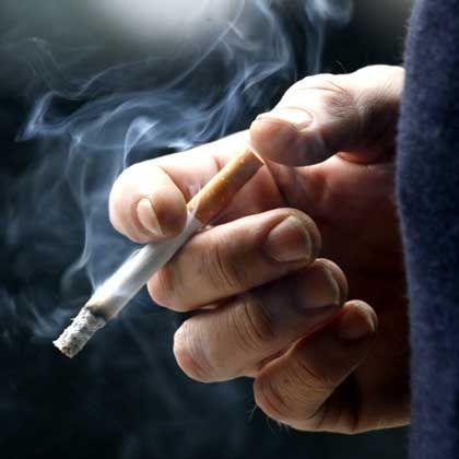 Raucher: Dem Konsumenten, entschied das Bundessozialgericht, bleibe es überlassen, sich zu schädigen