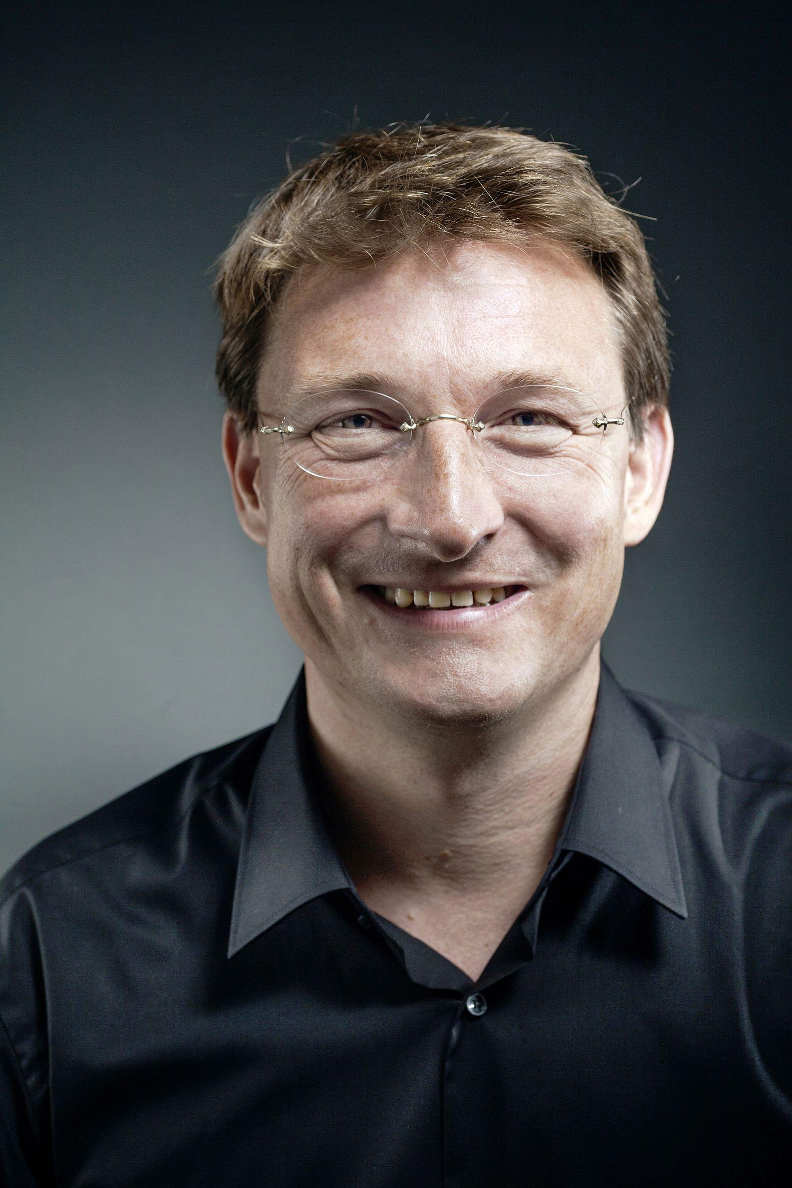 EINMALIGE VERWENDUNG Georg Löwisch
