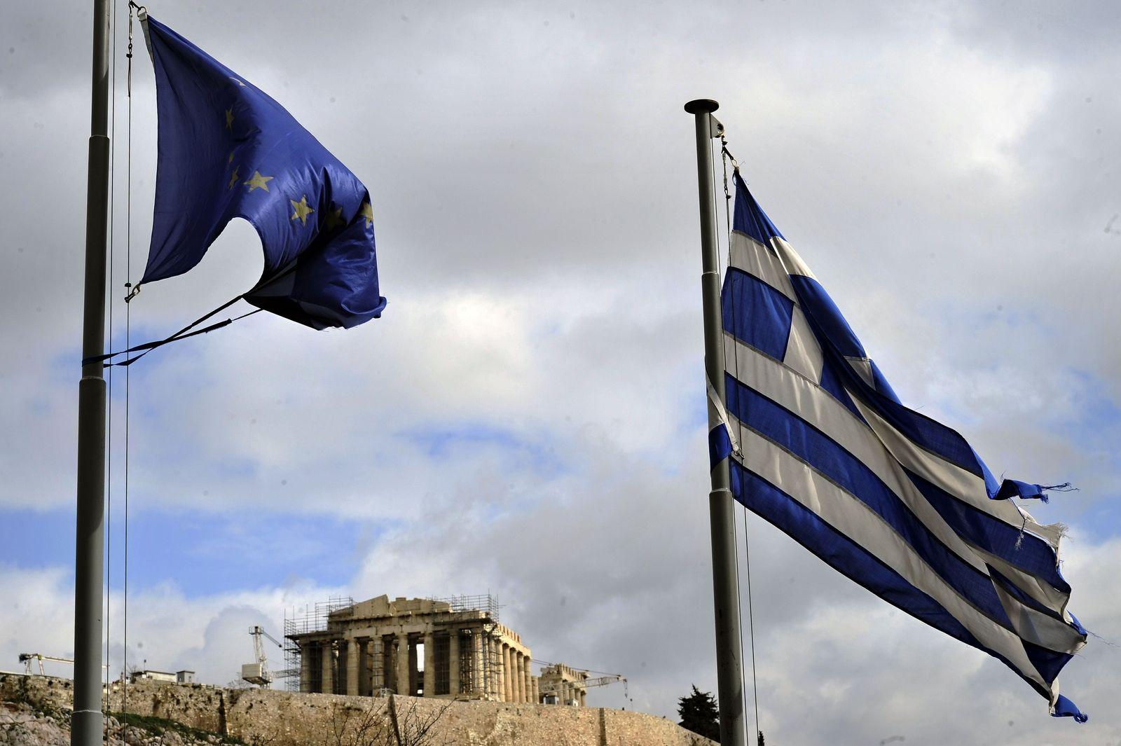 Griechenland / EU-Fahne / Akropolis